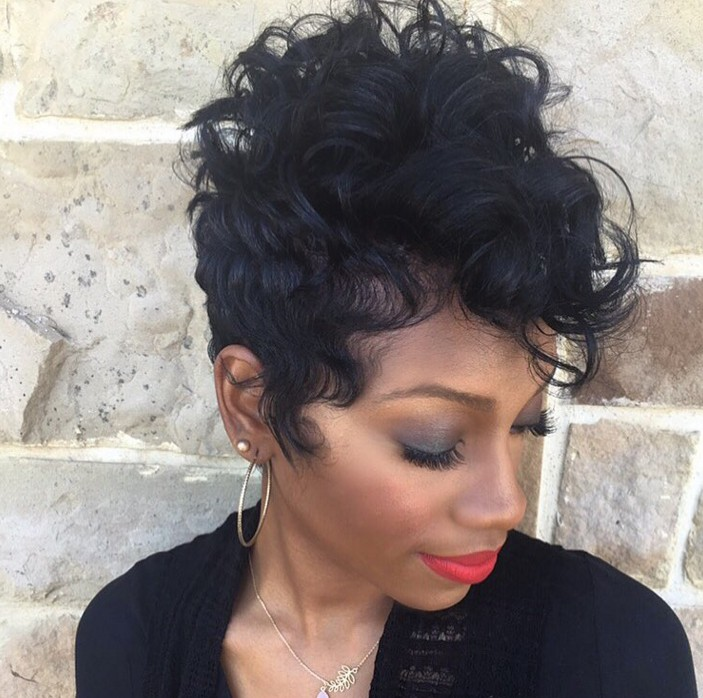 19 Cute Wavy Curly Pixie Cuts We Love Pixie Haircuts For Short Hair Hairstyle Models For Women