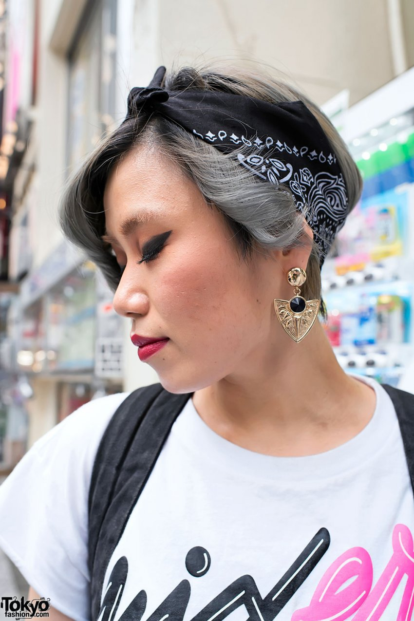 Sweet Short Hairstyles With A Bandana Hairstyle Models For Women