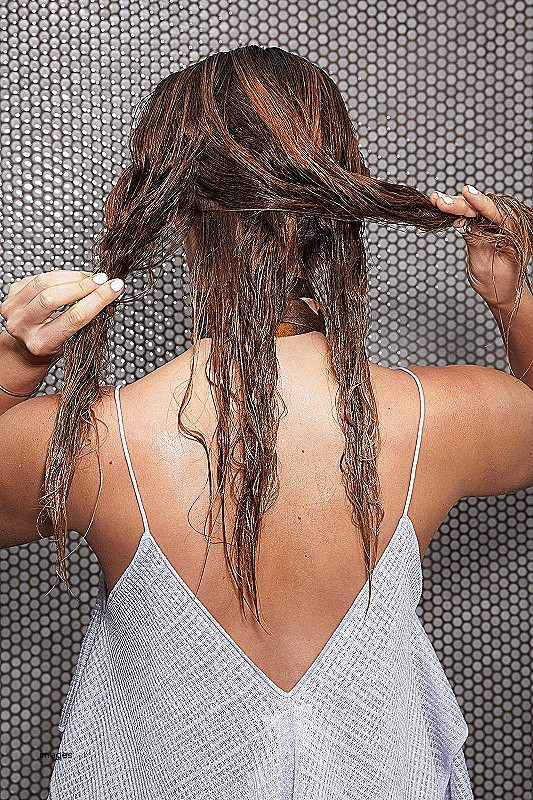 Simple hairstyles for wet long hair Nice how to wet hair without heat Hairstyles for the summer