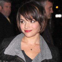 Norah Jones Sweet Short Bob Hairstyle for Thin Hair